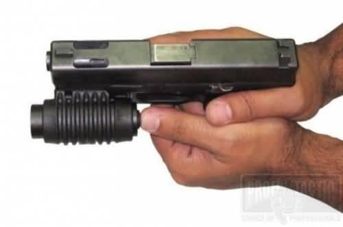 Pištoľový držiak na baterku 1″ na picatinny 3